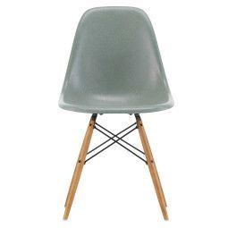 Vitra Eames DSW Fiberglass Stuhl mit Untergestell in Esche Honig