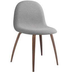 Gubi Gubi 5 Stuhl gepolstert mit Walnuss Untergestell